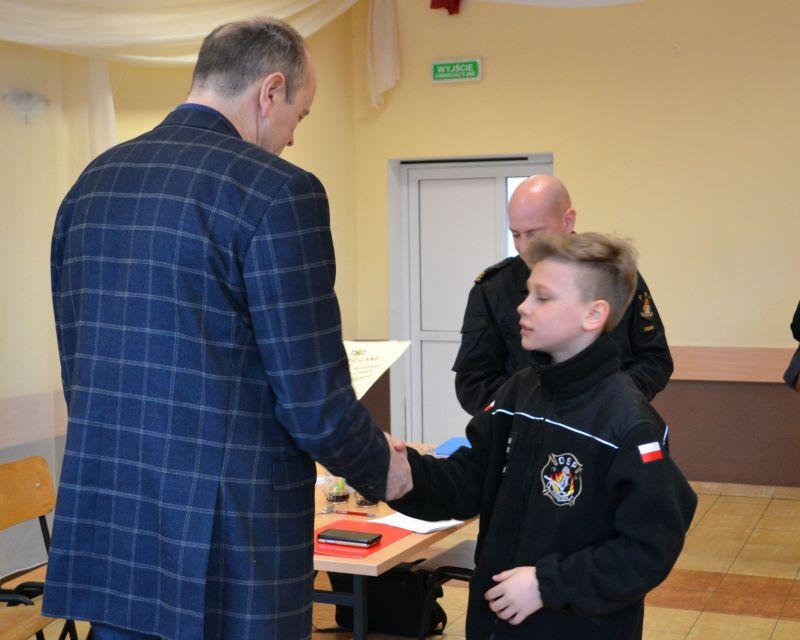 Zwycięzca w kategorii klas 1 -6 SP Oliwier Kosiński